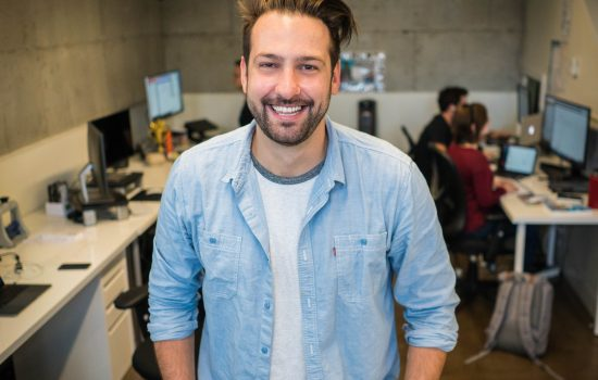 Junger Mann aus Startup